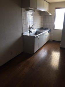 遺品整理後のキッチン