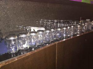 グラス ビンなどが沢山
