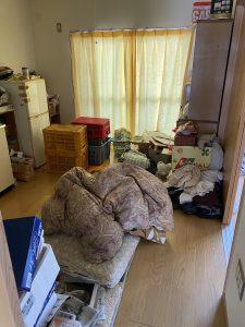 遺品整理前の室内の画像です。