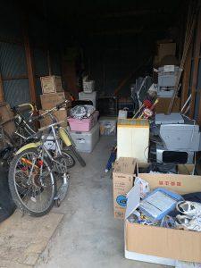 ガレージに不用品が沢山あります。