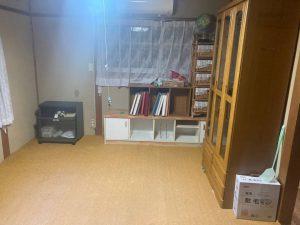 不用品回収前の室内